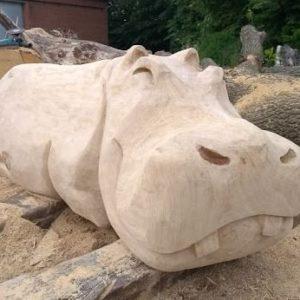 Flodhest Treskulptur