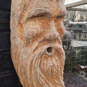 Fuglekasse med ansikter Treskulptur