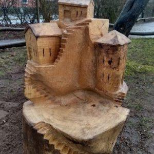 Lekeby-Stol Treskulptur