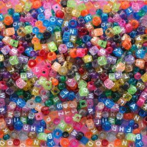 Plastperler ABC 7mm store hull (1000)